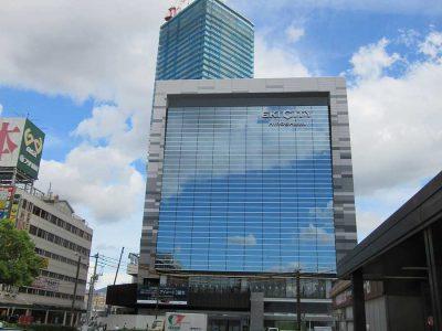 エディオンが出店するCブロックのグランクロスタワー広島の住居部は490戸