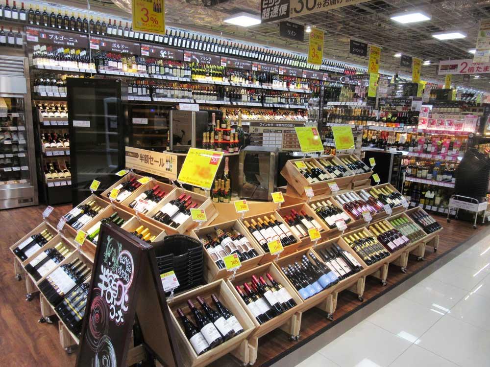 ワインの品揃えを厚くし、女性客にアピール。名古屋JRゲートタワー店オープン時