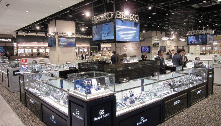 時計はパテックフィリップやオーデマピゲ、ヴァシュロン・コンスタンタン、パネライ、ジャガールクルトなどの高級ブランドも各種揃えている