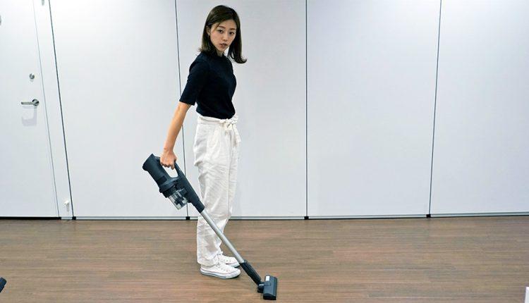 Panasonic's-new-cordless-stick-cleaner_09