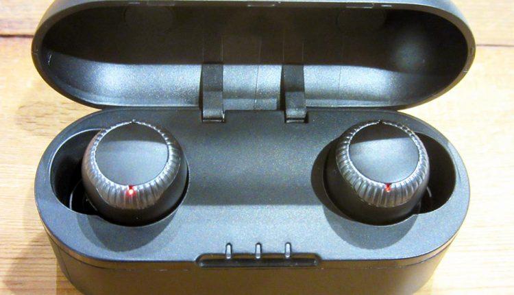 Panasonic-announces-completely-wireless-earphones_16