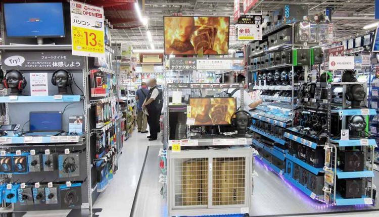 December-sales-at-electronics-retail-stores_04